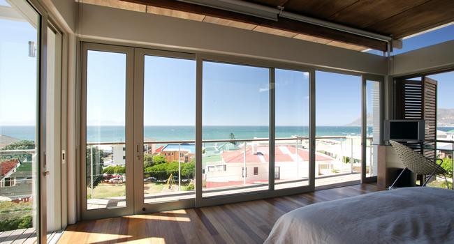 4bedroom-accommodation-seaview-kalkbay