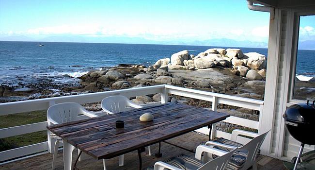 accommodation-deck-seaview-simonstown